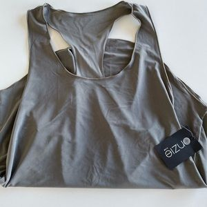 Onzie charcoal colored tank